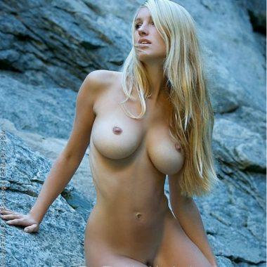 Femjoy nude Corinna